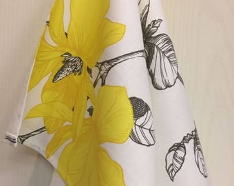 Kitchen Towel Tea Towel  Dish Towel - Scandinavian Cotton fabric Yellow Flowers - 70 cm x 46 cm - 1 pc - 28 inches x 18 inches