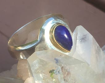 Rare Quality Lapis Lazuli Silver Ring with Brass House around stone. US size 7 1/4