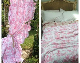 Lovely vintage vibrant pinks French toile frilled ruffle piped double bed coverlet/ bedcover/ curtain~ gorgeous pretty display
