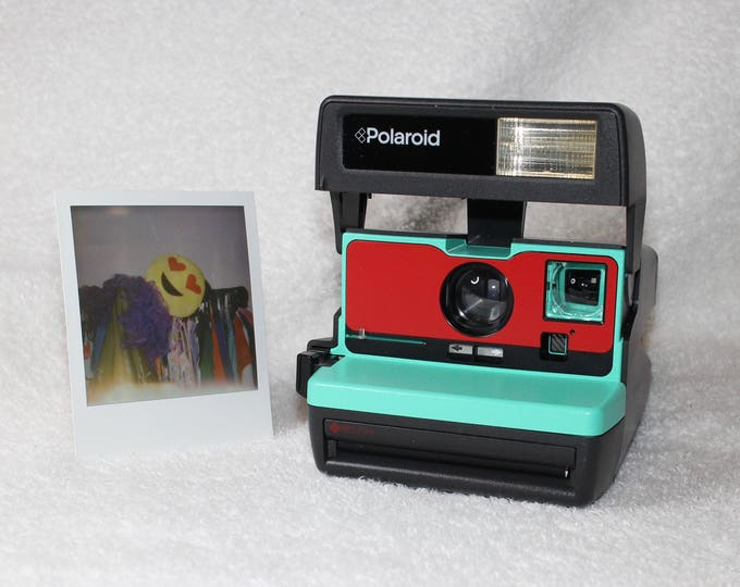 Upcycled Retro Green and Red Polaroid 600 OneStep With Close Up And Flash Built-In - Ready To Use