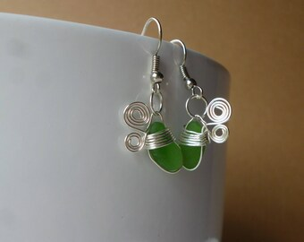 "Earrings in silver and sea glass ""spin tounicoton"""