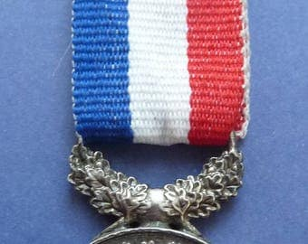 Rare French Medal of 1870-71 Named To Charles V. Varangot. Officially Awarded For Courage And Devotion.