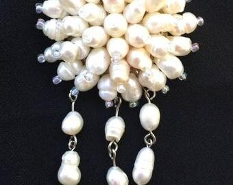 Vintage pearly snowflake / starburst teardrop brooch