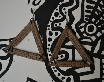 Taupe/tan leather triangular earrings