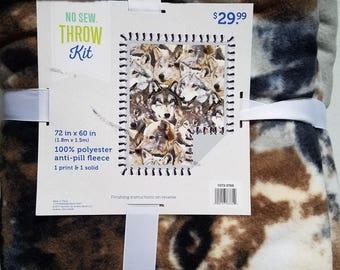 Wolves No Sew Throw Kit