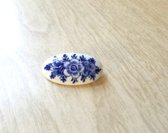 Vintage Delfts Blue and White Pin/Brooch Oval with Flower