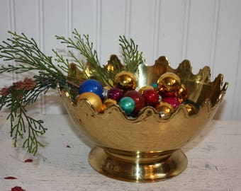 Brass Pedestal Bowl, Scalloped Top Edge, Polished Brass, Display Bowl, Pedestal, Scalloped Fancy Edging, Brass Serving Bowl, Brass Planter