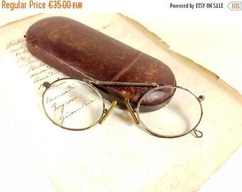SALE Antique Victorian eyeglasses, Binocle, Pince-Nez, Eyeglasses, Steampunk, Wire rim, Opera glasses, Costume Accessories, Collectible horn