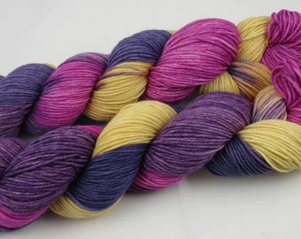 Hand Dyed 8-Ply DK Merino Yarn, King's Robes, Indie Dyed DK Yarn for Knitting