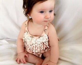 Circle of Feathers baby girl romper SIZE 000 - Sleeveless with white tassel lace