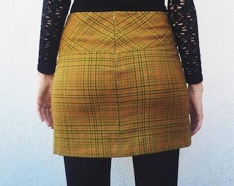 Vintage Tweed Skirt UK 10-12 / US 6-8 / EU 38-40