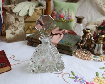 Stunning Vintage Art Deco Cut Glass Scent Bottle with Fancy Stopper