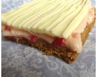 Strawberry Shortbread (Box of 4 or 9 squares)