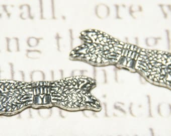 2 pair 21x7mm silver wings beads