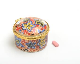 Birthday gift ideas for girlfriend, Snuff box, miniature box, pillbox, porcelain box, box desk decor, pill box for her, desk box for her