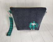 Small Kntting Project Bag - Tartan Sheep - Plaid lining - Heavy-weight fabric exterior - brass zipper wedge bag tote cosmetic bag WS0079