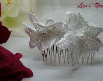 Model large white lace flowers Wedding Hair Combs