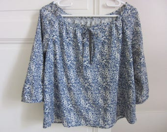 blouse(overall) woman handmade cotton blue and white flowers