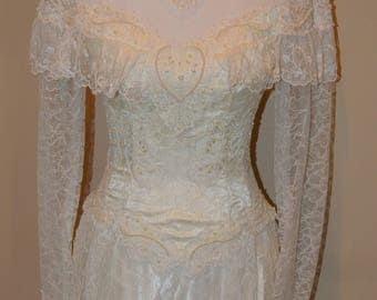 Vintage White Ivory Lace and Satin Wedding Dress Bridal Gown Long Lace Sleeves High Neck Buttoned Back Size 4