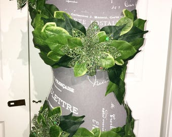 Poison Ivy Costume, poison ivy outfit, poison ivy cosplay.