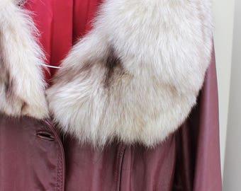 1970's Vintage Red leather trench coat / Ref coat fox fur collar / winter medium leather coat