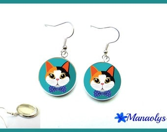Cat on blue background, 2160 glass cabochons earrings