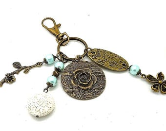 A scent! door keys or bronze bag charm, charms