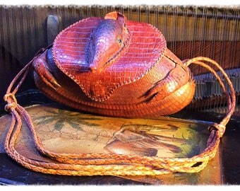 Armadillo Purse- small & cute!