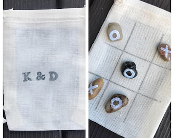Mini tic tac toe game - wedding favors - travel game - quiet game- guest gifts - stocking stuffer - rocks