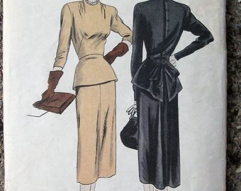 "Vintage 1940's Vogue Pattern Slim Dress with Peplum and Back Bow * 36"" Bust"