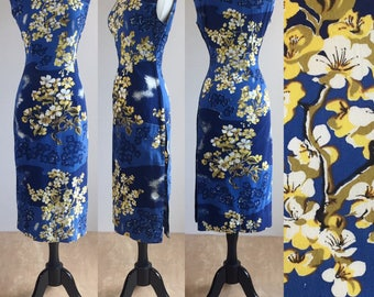 1950's Liberty House Royal Blue Sakura Cherry Blossom Novelty Print Cotton Hourglass Wiggle Tiki Cheongsam Dress | Size Large
