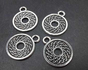 Round sequins in silver, charms pendants ethnic sequins, 17.5 x 14 mm