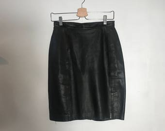 90s Fitted Leather Skirt