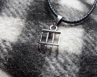 Silver hook Raseteur pendant necklace