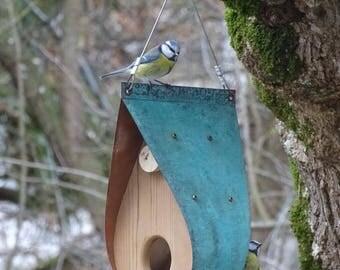 Cuivre oxydé et cèdre mangeoire à oiseaux - en forme de larme