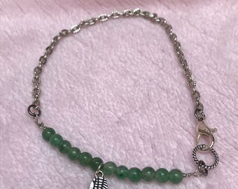 Angel wing bracelet with green aventurine