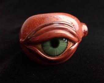 Detailed Glass Eye Pipe