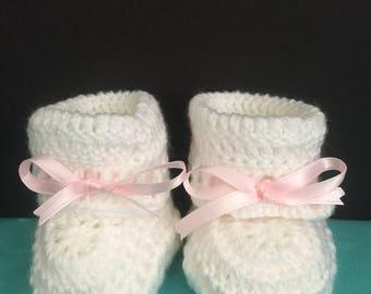 Crochet Baby Booties Set