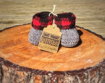 Baby Slippers, Country style baby booties, plaid baby booties, rustic baby slippers, plaid photo prop, newborn booties, buffalo plaid
