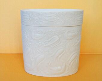 Bjorn Wiinblad for Rosenthal  Studio Linie 'vines & birds' lidded box