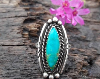 Vintage Southwestern Sterling Silver Turquoise Ring - Size 8.75