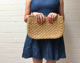 Vintage Woven Straw Summer Clutch Handbag - Medium Sized - Small Handheld Woven Straw Purse