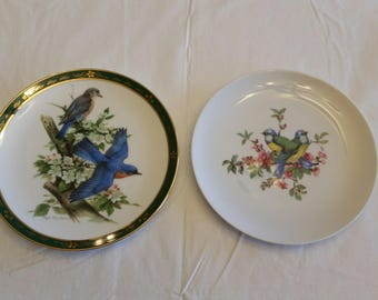 2 vintage bluebirds collector plates 1950 & 1990 issues - signed author roger peterson and numbered art B-6335 - danbury mint birds antique