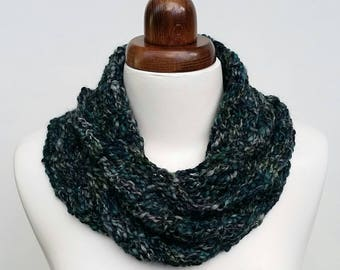 Crochet cowl in soft alpaca, teal and grey, crochet scarf, infinity scarf, twisted cowl, autumn winter scarf, winter accessory