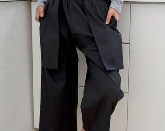 Women's pants Women's capris Black culottes Black capris pants Short woman pants Black capris Loose fitting pants Elastic waist Casual pants