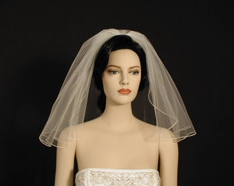 "Flyaway 18"" Shoulder Length Wedding Veil with Pencil Edge"