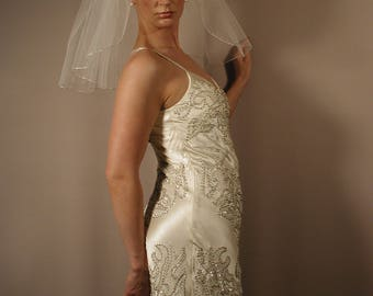 "Flyaway 18"" Shoulder Length Wedding Veil with Silver Pencil Edge"