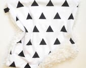Triangles Baby Bedding, Triangles Blanket, Geometric Baby Blanket, Monochrome Baby Bedding, Lovey, Monochrome Bedding, Black and White
