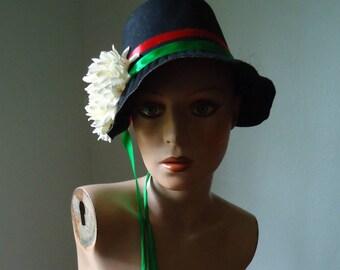 Felt costume Bonnet - Vintage Bonnet - Costume Bonnet - Vintage ladies hat - British hat - Costume sunbonnet - Women's fancy hat, Ladies hat