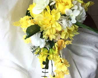 Bridal bouquet   white and yellow flowers 002